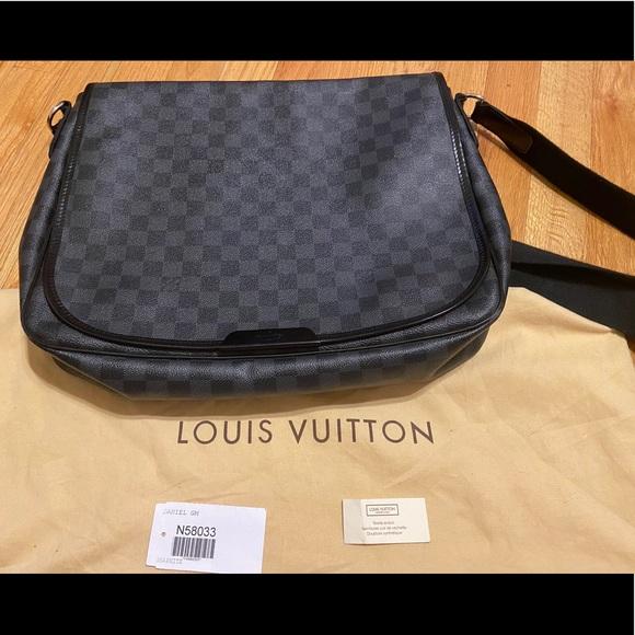 Louis Vuitton Daniel Crossbag